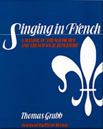 Singing in French: A Manual of French Diction and French Vocal Repertoire - 9780028707907(Print)