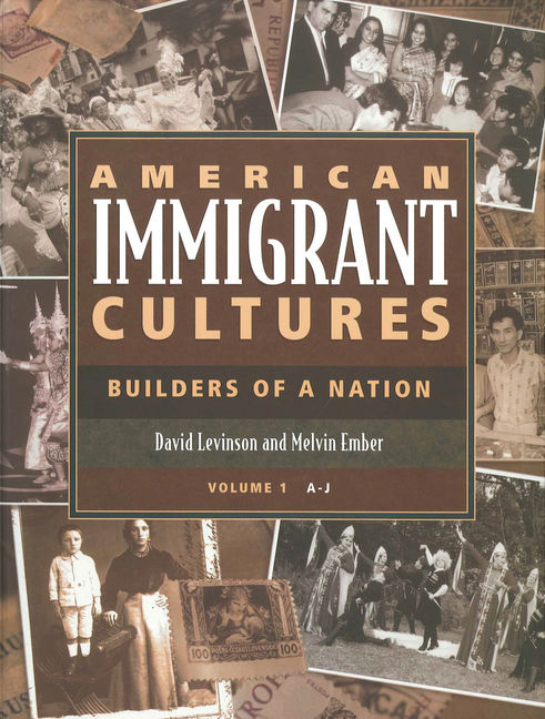 American Immigrant Cultures: Builders of a Nation - 9780028972084
