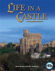 Life in a Castle - 9780170106221